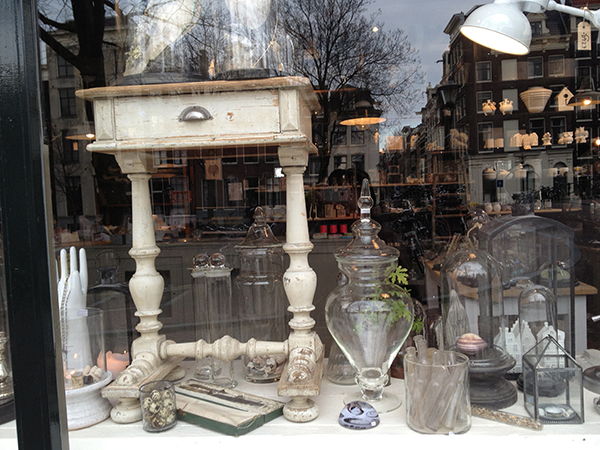 2013-03-21 store of curiosities in Amsterdam